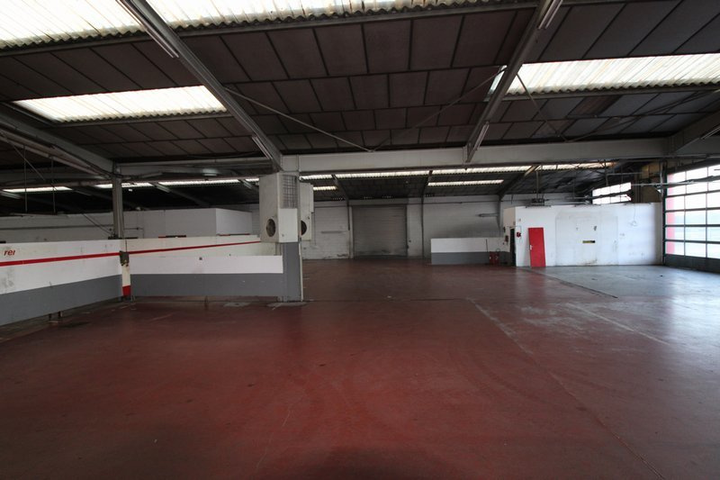 DIEPPE IMMEUBLE A USAGE COMMERCIAL  d'environ 3 800 m2