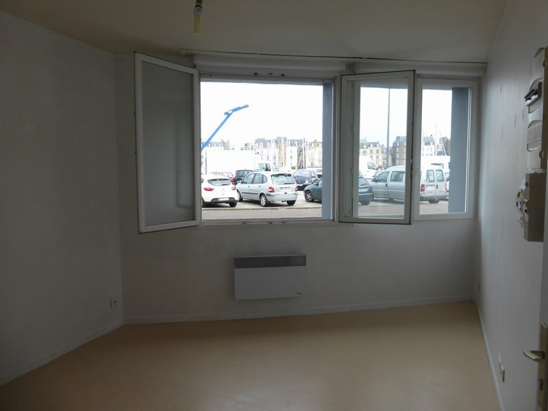 Studio de 15.91 m2 - face au port de plaisance